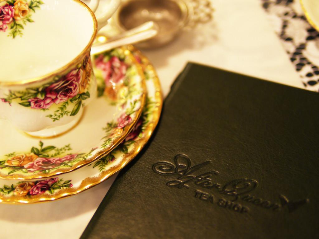Dreams of Velvet - After Queen Tea Shop 2